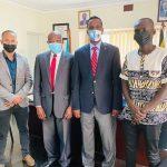 Safiirka oo xafiiska ku qaabilay gudoomiye ku-xigeenka jaamacadda International University of East Africa